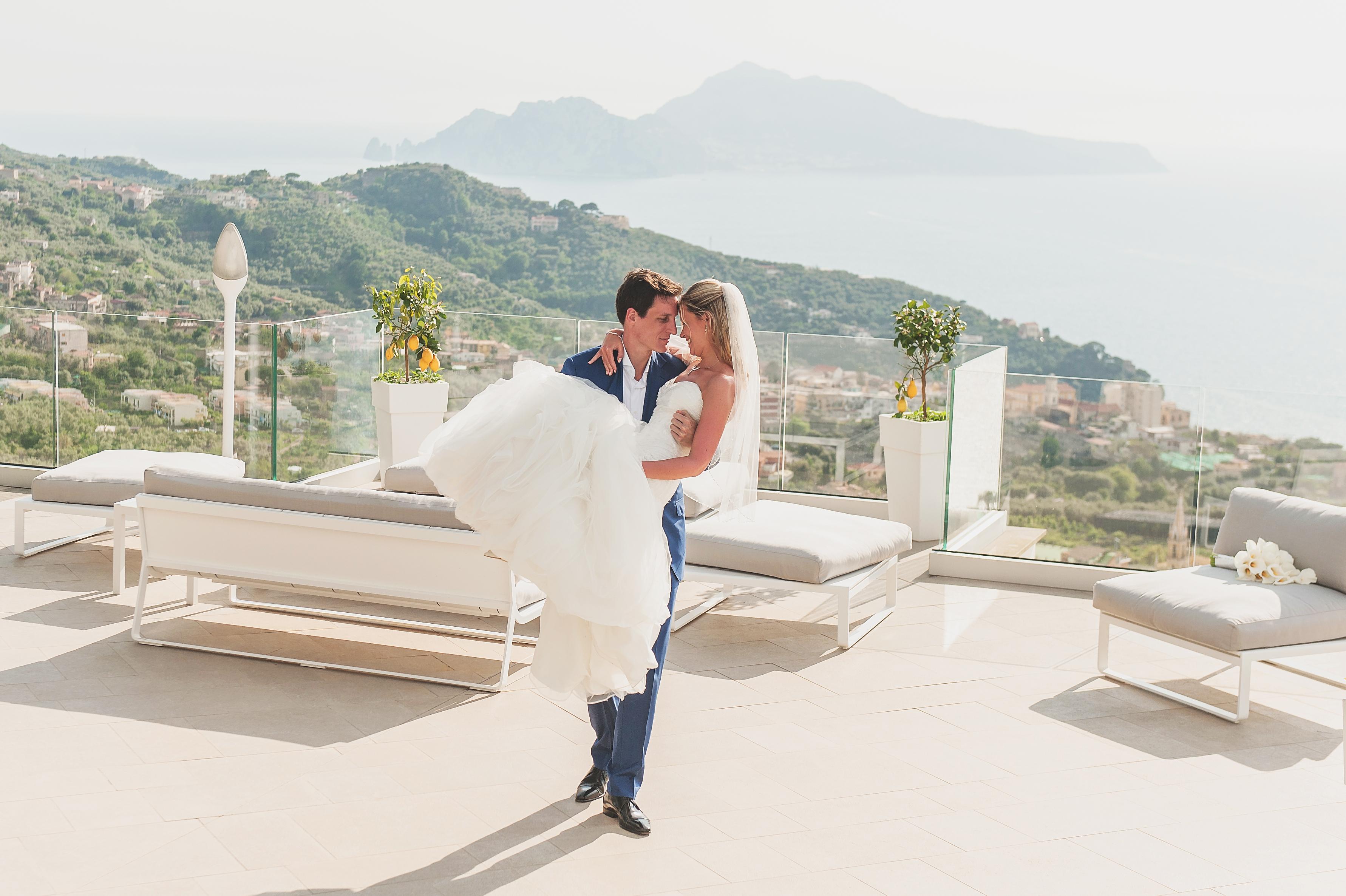 Bride & Groom in Sorrento wedding venue