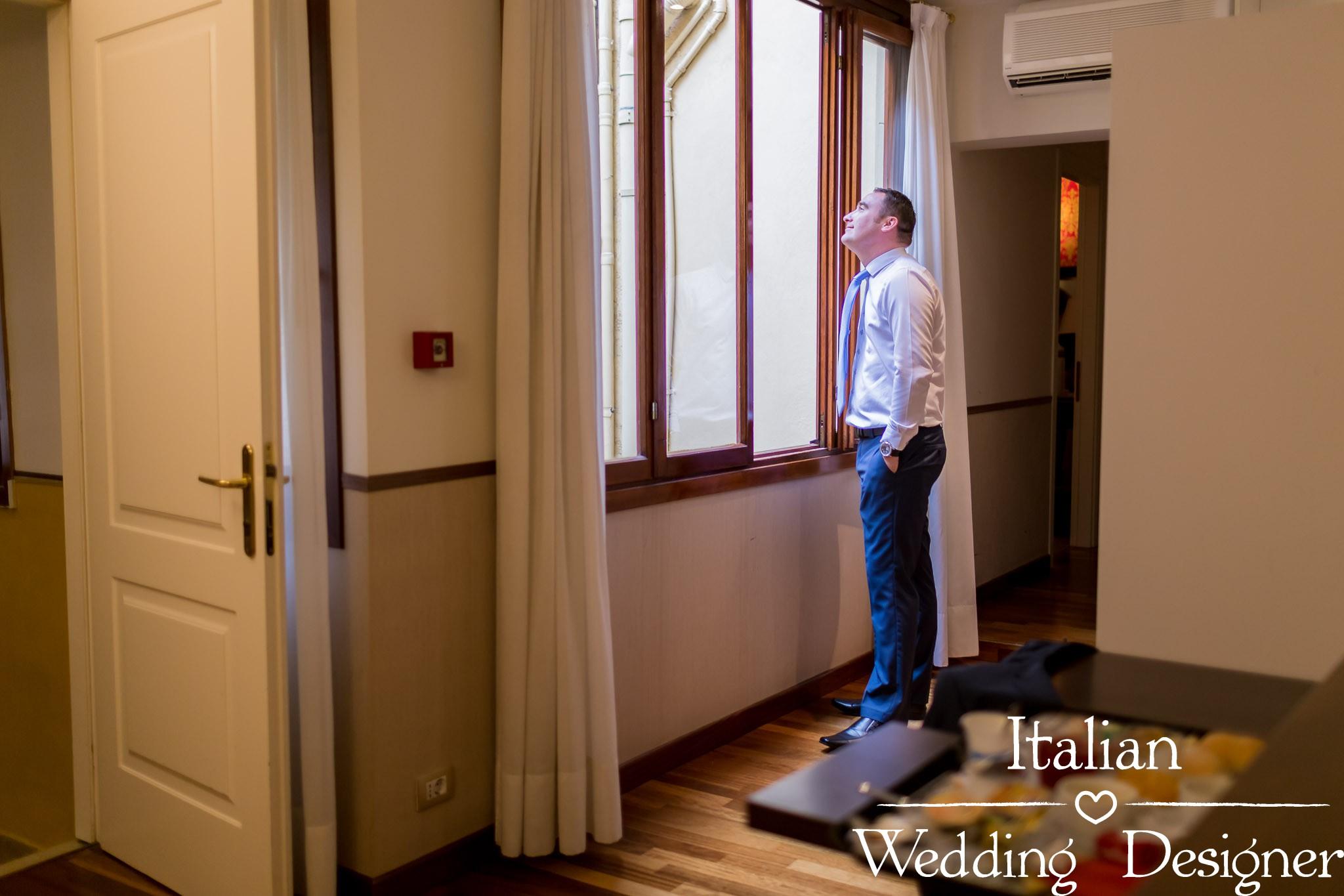 Groom is getting ready, Civil Wedding in Venice