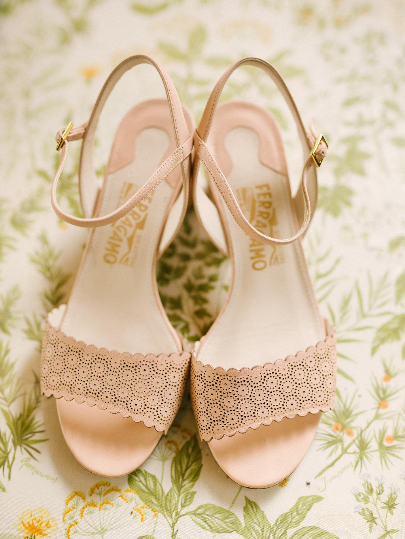 Bride's shoes, destination wedding in Tuscany Villa