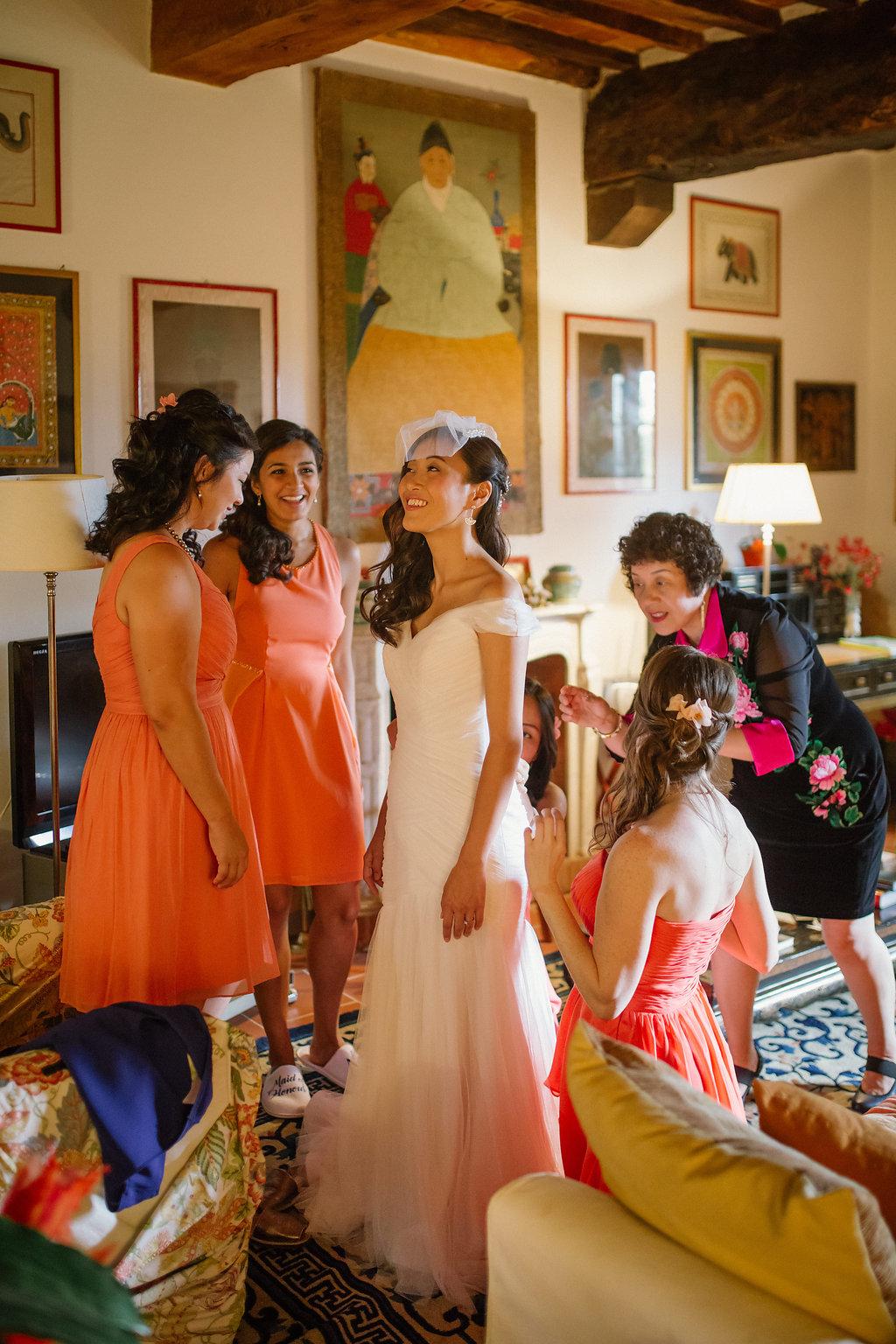 Bride is getting ready, destination wedding in Tuscany villa