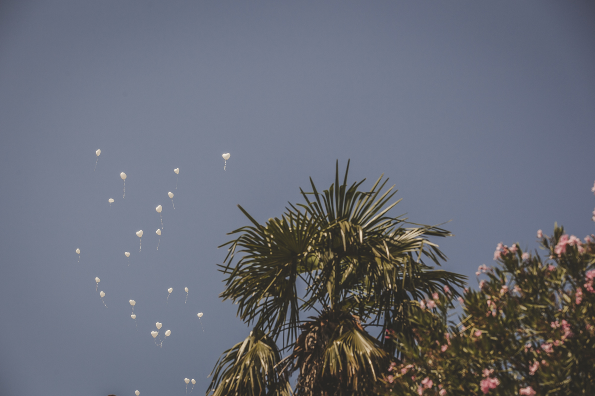 Ballons Love is in the air A destination wedding in Como Lake