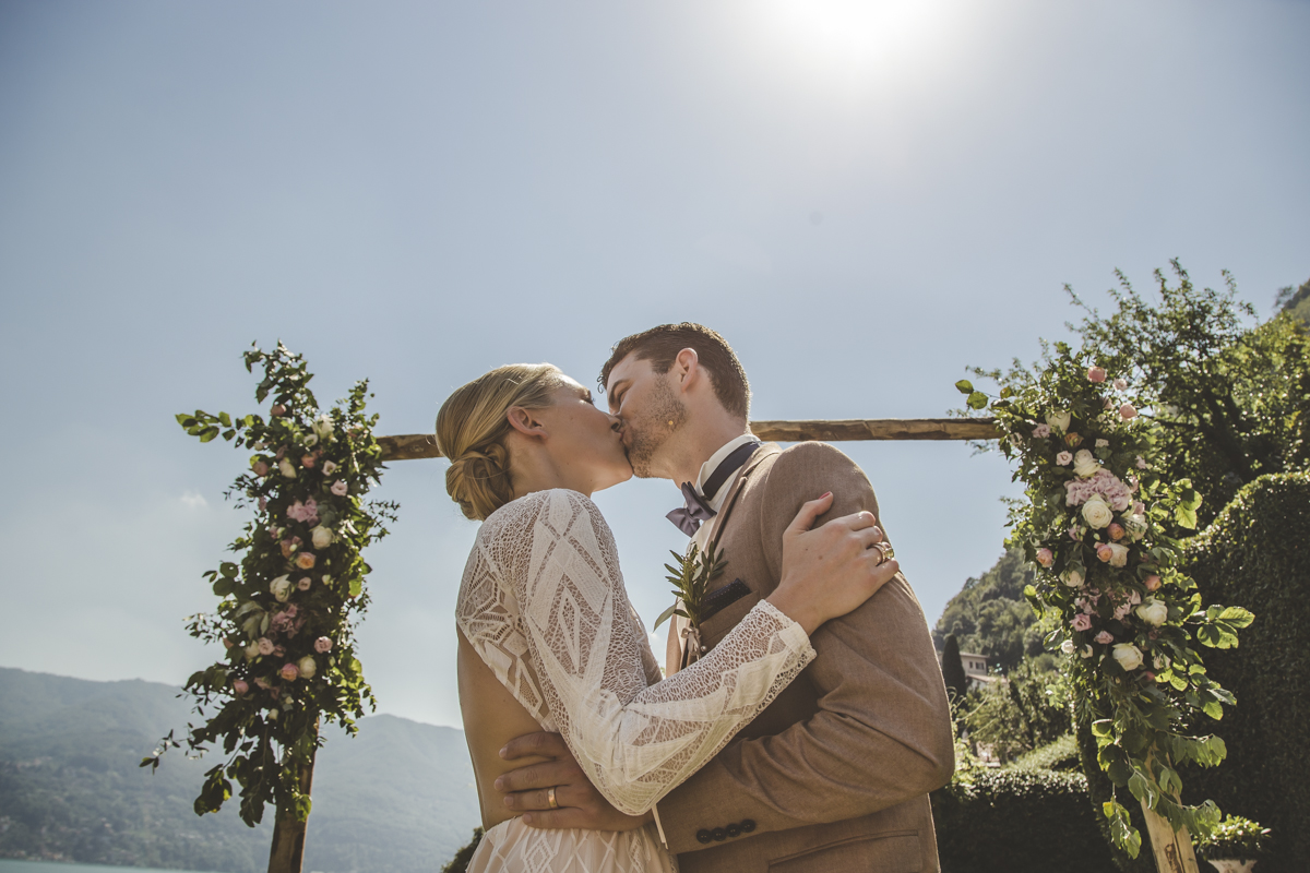 Bride and Groom Kiss Ceremony at Villa Regina Teodolinda A destination wedding in Lake Como