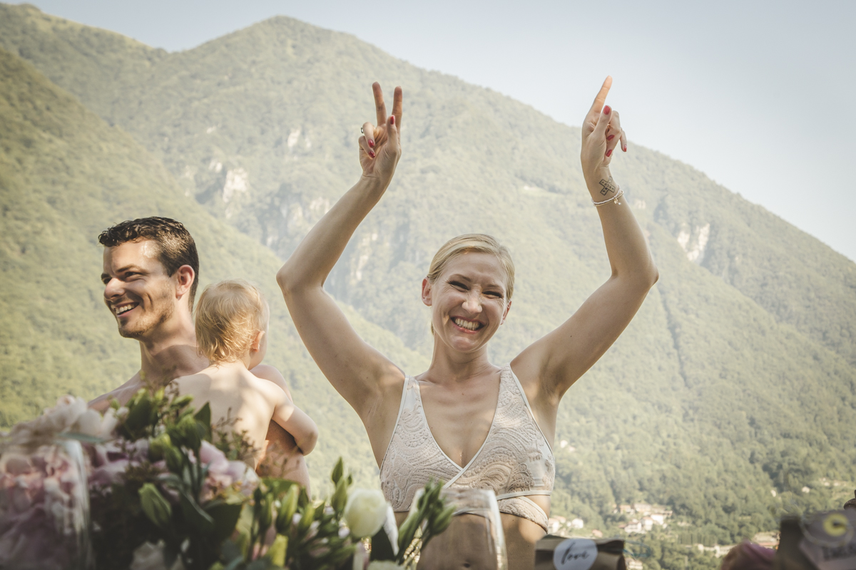 Swimming in Como Lake - A destination wedding in Italy