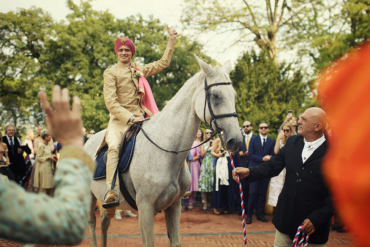 Baraat in Tuscay - Punjabi Ceremony - Italian Wedding Designer