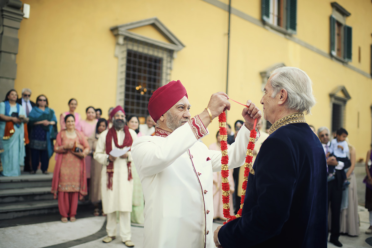 Milni Ceremony in Tuscany - Sikh wedding - Italian Wedding Designer