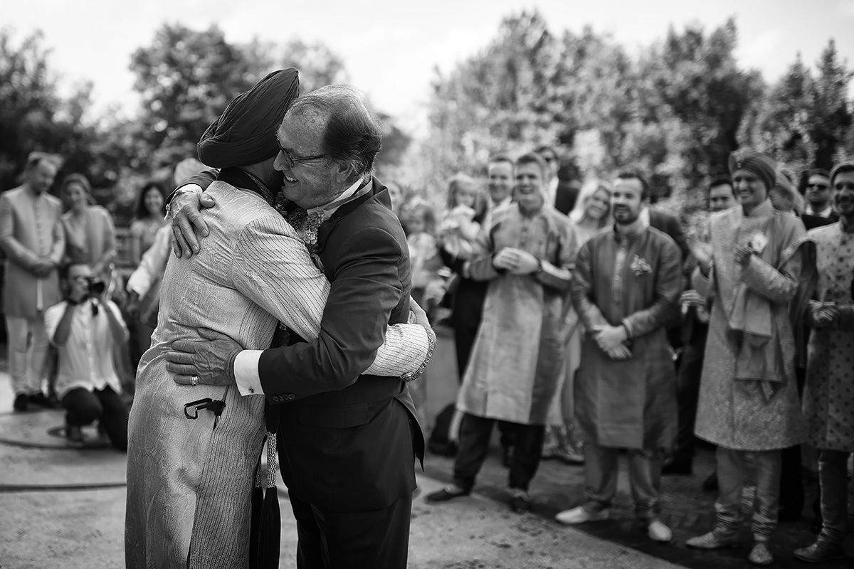 Exchange of garlands - Sikh ceremony - Italian Wedding Designer