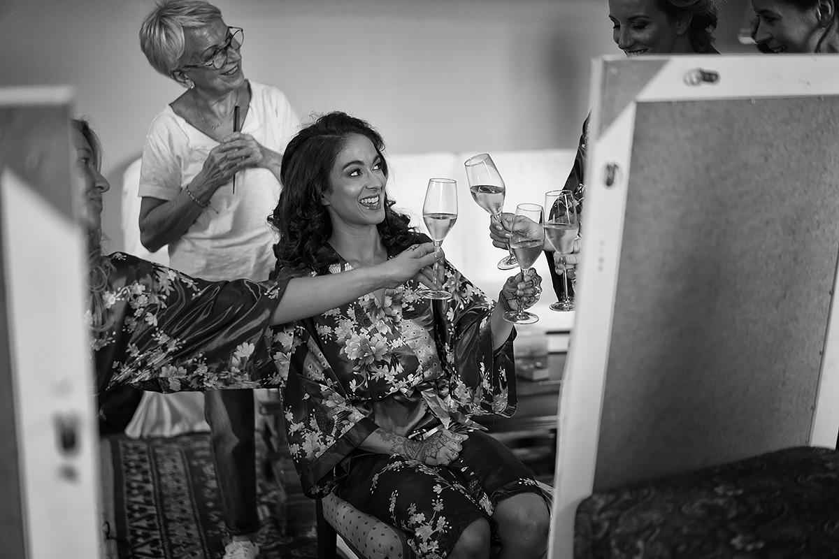 Sikh Bride - Getting Ready - Italian Wedding Designer