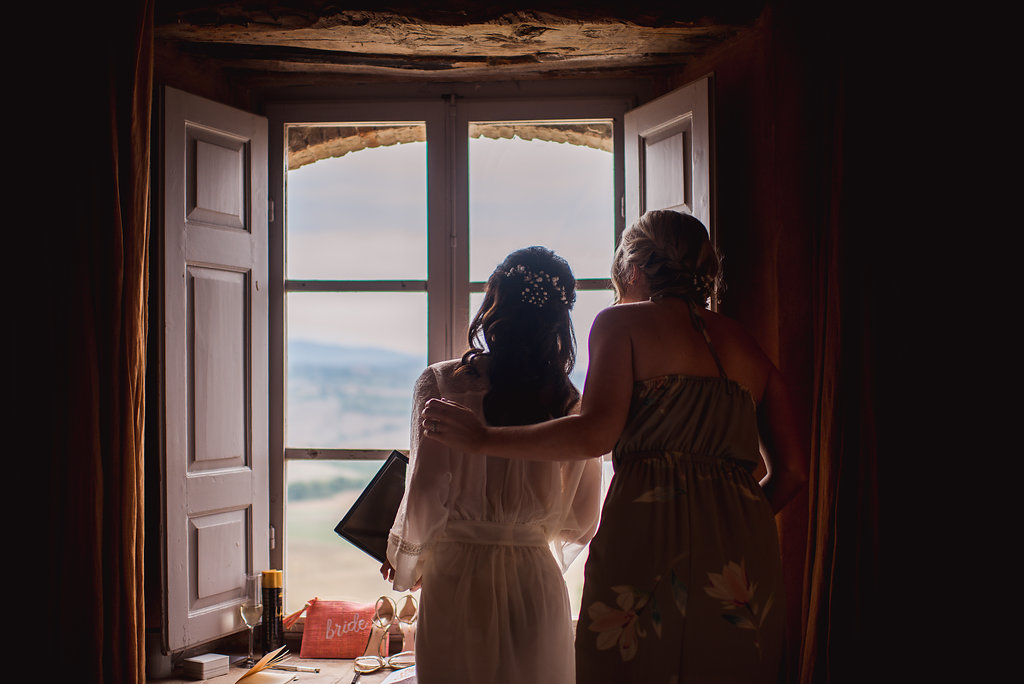 Bride & Maid of honor in Tuscany - Italian Wedding Designer