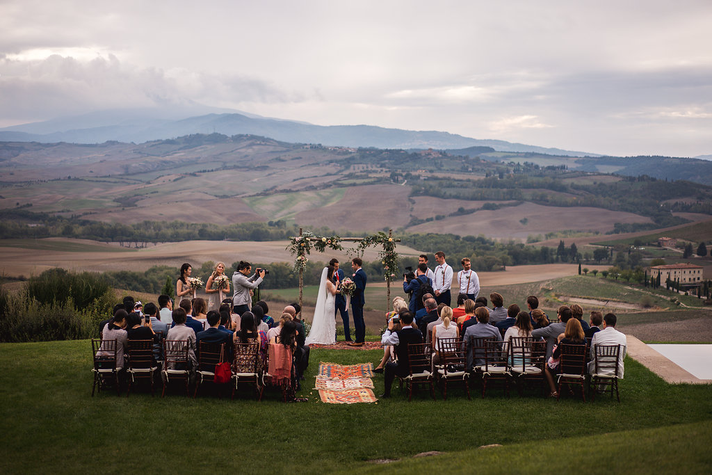 Symbolic Ceremony in Val d'Orcia - Wedding in Tuscany - Italian Wedding Designer