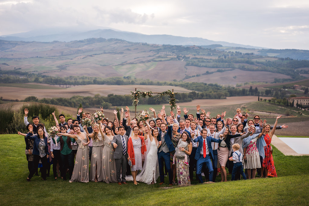 Wedding Group portrait in Tuscany - Italian Wedding Designer