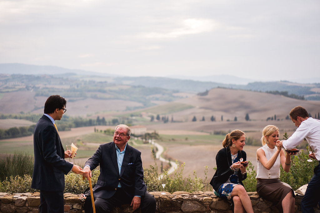 Overlooking rolling hills - Wedding in Tuscany - Italian Wedding Designer