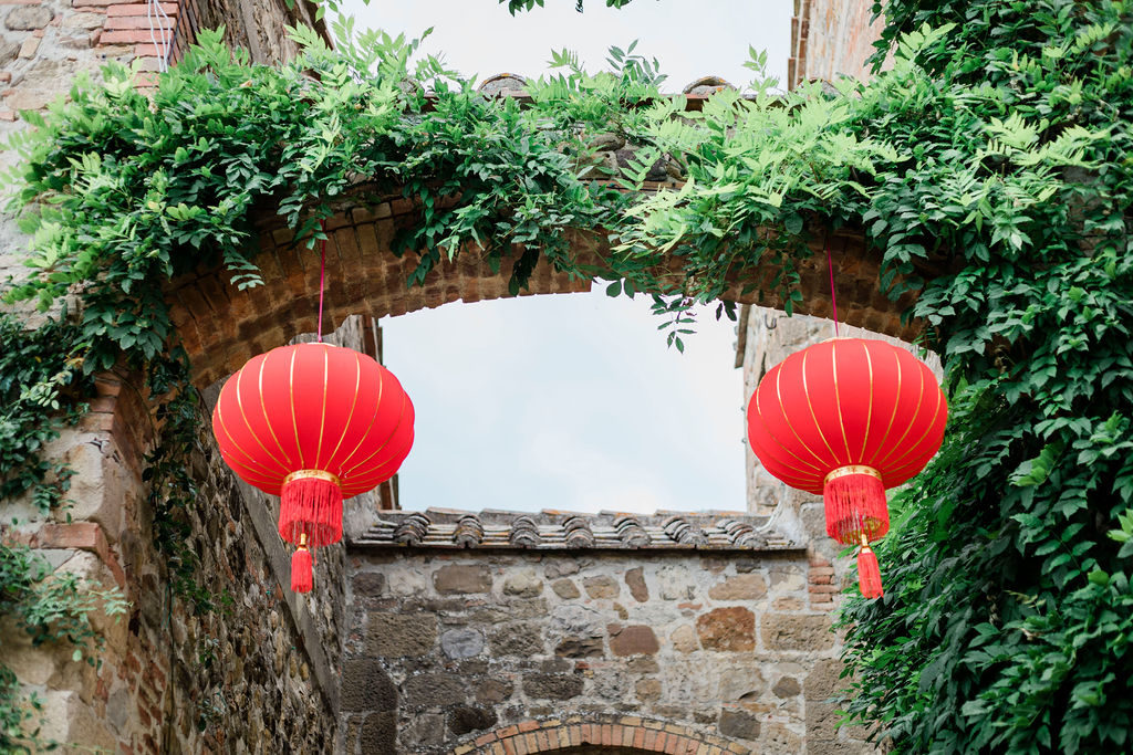 Red lanterns - Chinese Tea Ceremony in Italy- Italian Wedding Designer