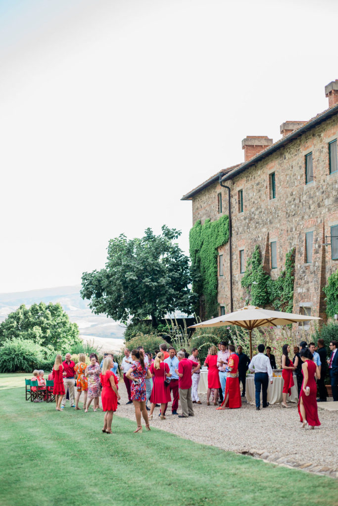 Red dress code - Chinese Tea Ceremony in Italy- Italian Wedding Designer