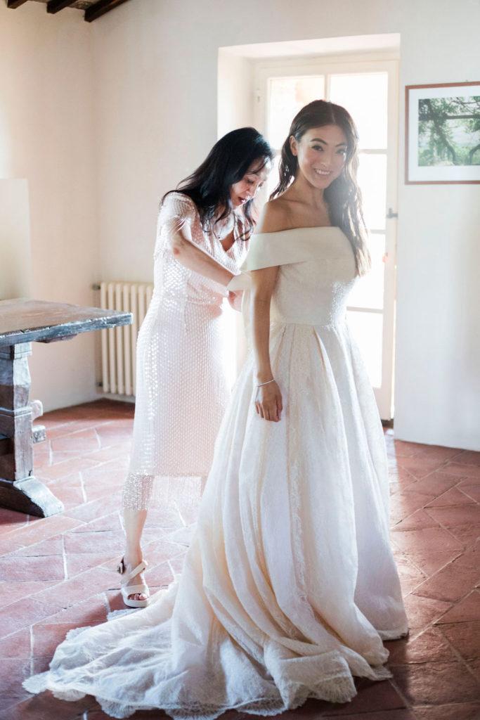 Bride an her mum - Wedding at Villa La Foce - Italian Wedding Designer
