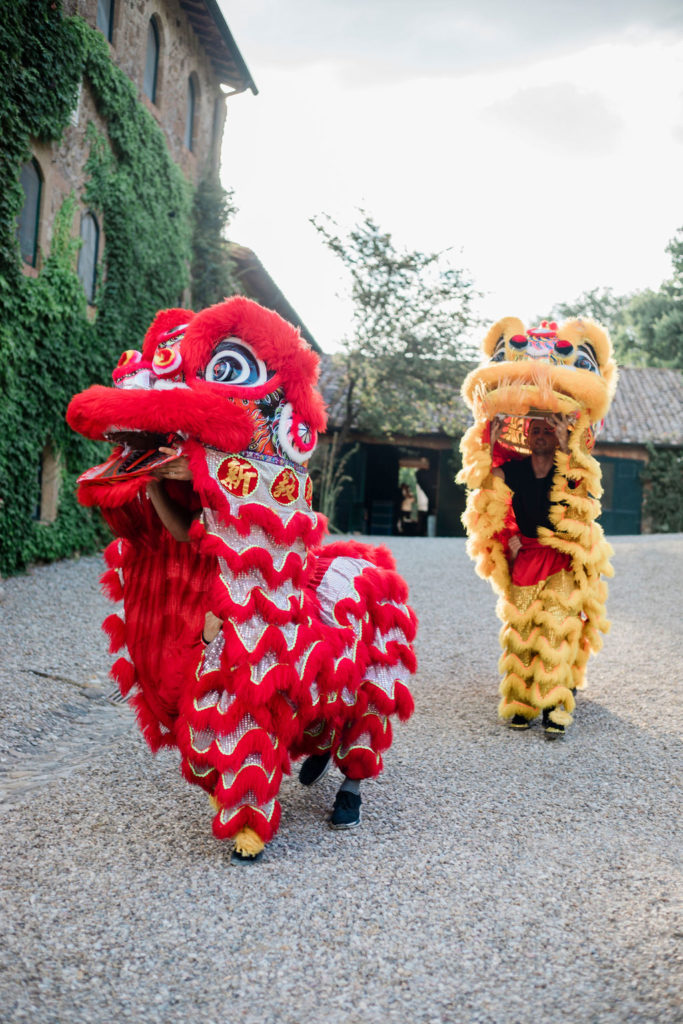 Lion Dancer - Chinese Tea Ceremony in Italy- Italian Wedding Designer
