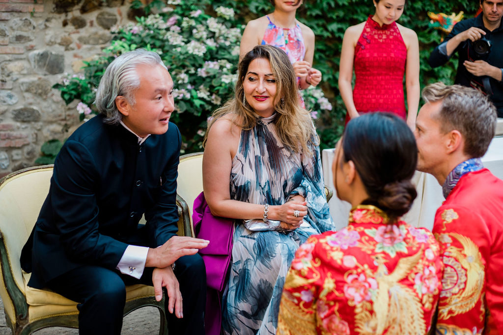 Blessing for the newlyweds - Chinese Tea Ceremony in Italy- Italian Wedding Designer