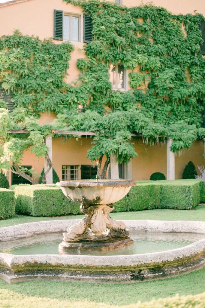 Fountain la Foce - Wedding at Villa La Foce - Italian Wedding Designer