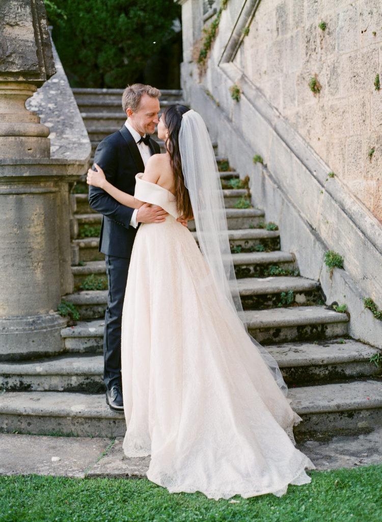 Bride & Groom photo- Wedding at Villa La Foce - Italian Wedding Designer