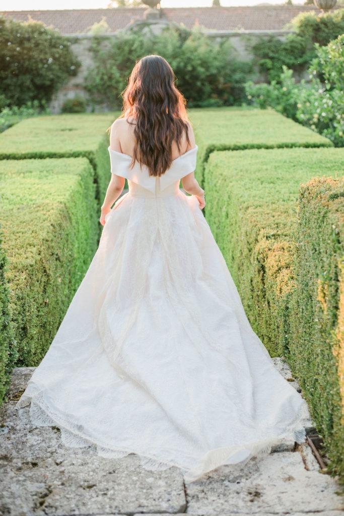 Bride in the Garden- Wedding at Villa La Foce - Italian Wedding Designer