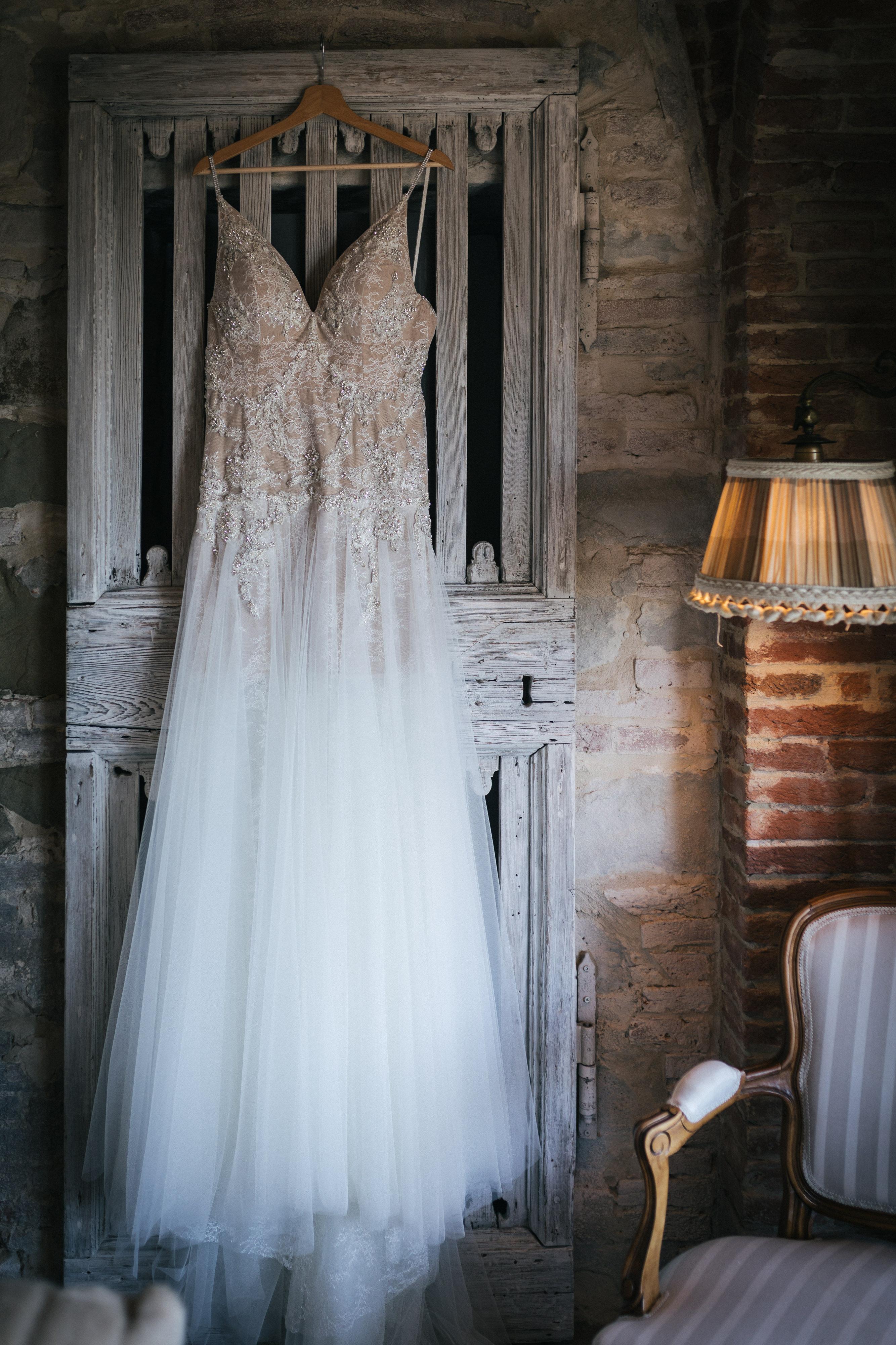 Amazing wedding dress at Villa Le Fontanelle
