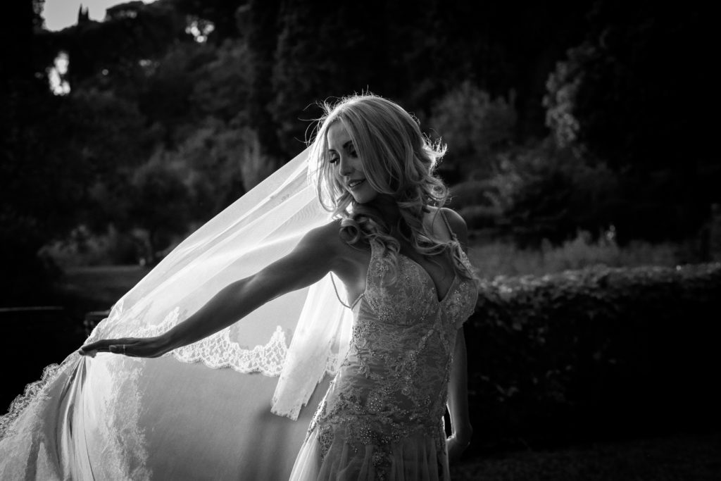 Bride portrait at sunset time - Italian Wedding Designer - Wedding at Villa Le Fontanelle