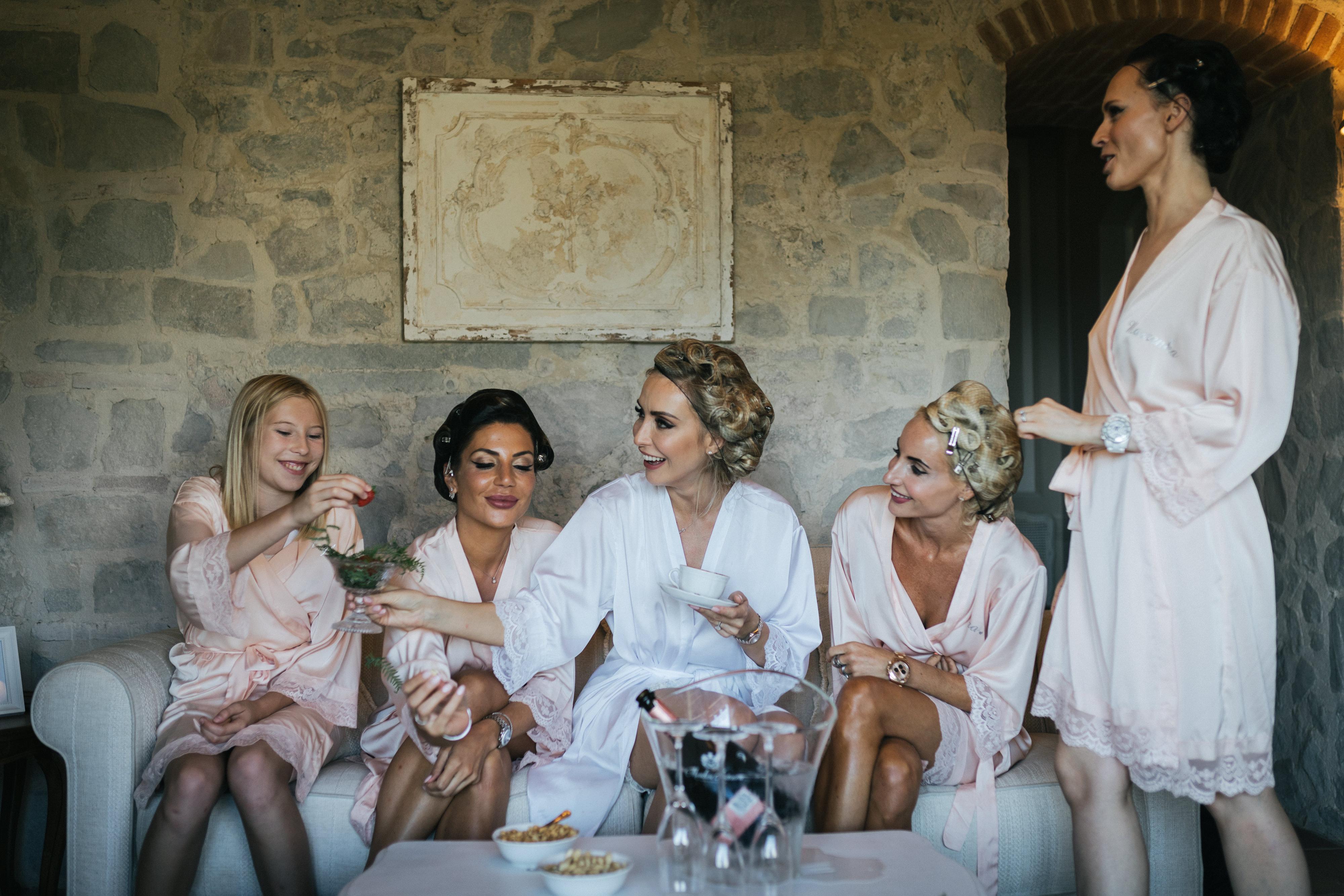 Bride and Bridesmaids - Wedding at Villa Le Fontanelle - Italian Wedding Designer
