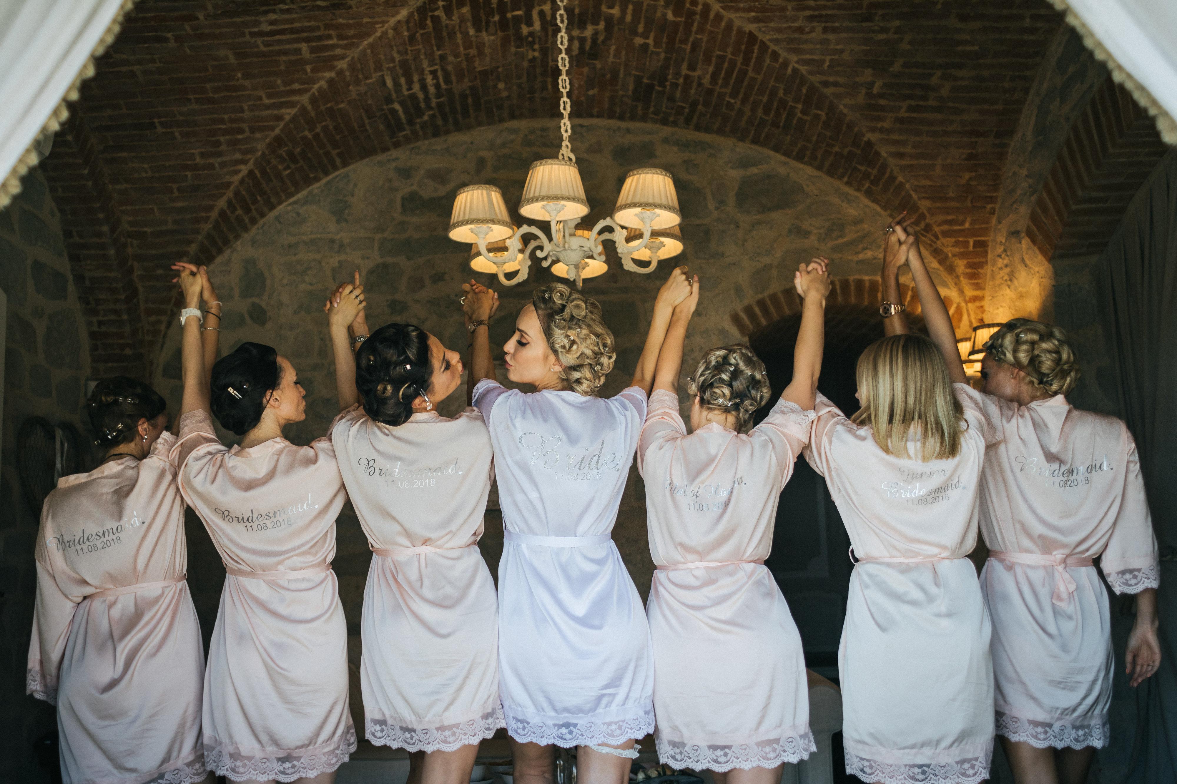 Bride and Bridesmaids getting ready - Wedding at Villa Le Fontanelle - Italian Wedding Designer
