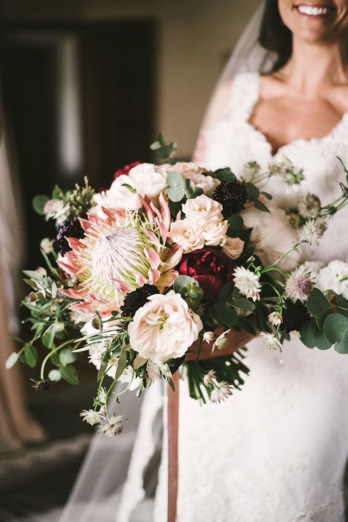 Flowers Living bouquet Manolo Blahnik shoes - Wedding at Villa La Selva - Italian Wedding Designer
