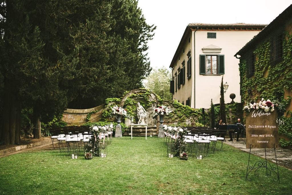 Ceremony Manolo Blahnik shoes - Wedding at Villa La Selva - Italian Wedding Designer