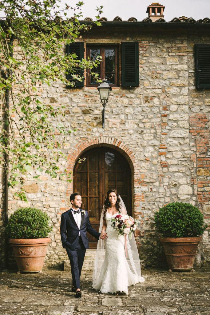 Bride and Groom in Tuscany - Wedding at Villa La Selva - Italian Wedding Designer