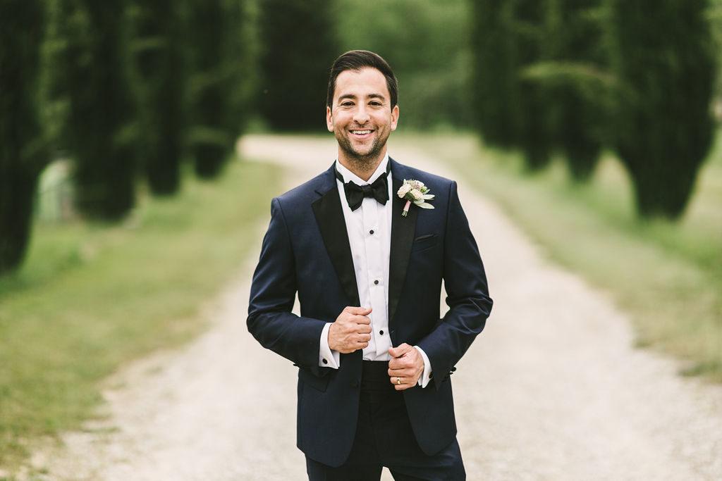 Groom portrait - Wedding at Villa La Selva - Italian Wedding Designer