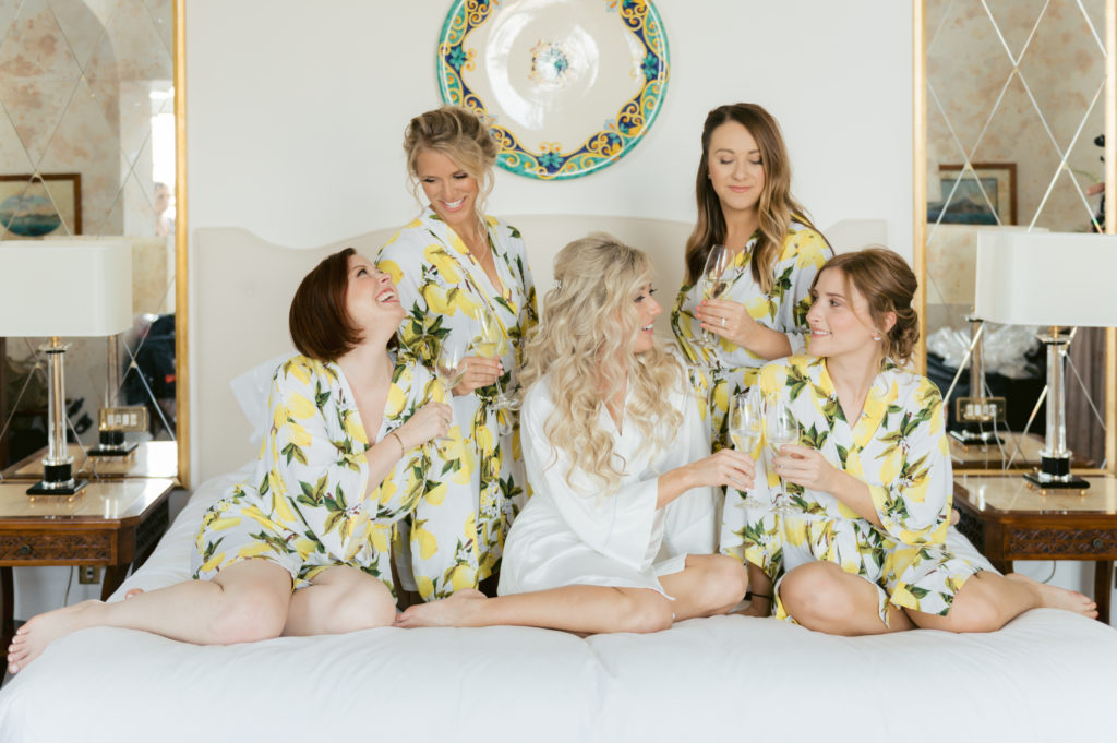 Bride and bridesmaids portrait by Bottega 53 - Destination Wedding in Ravello - Italian Wedding Designer