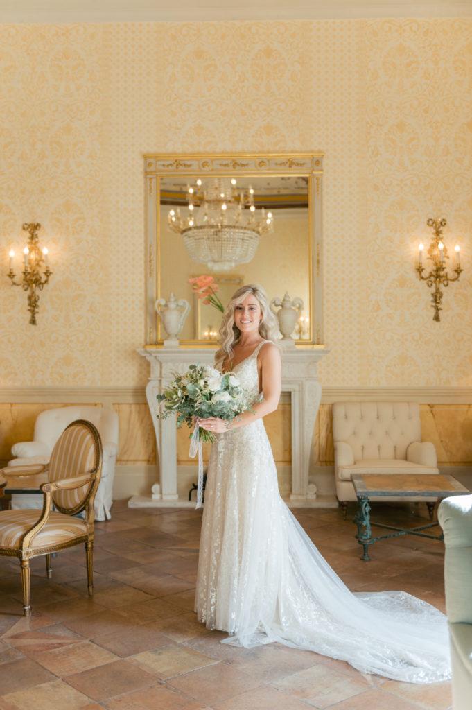 Bride portrait in Hotel Caruso - Destination Wedding in Ravello - Italian Wedding Designer