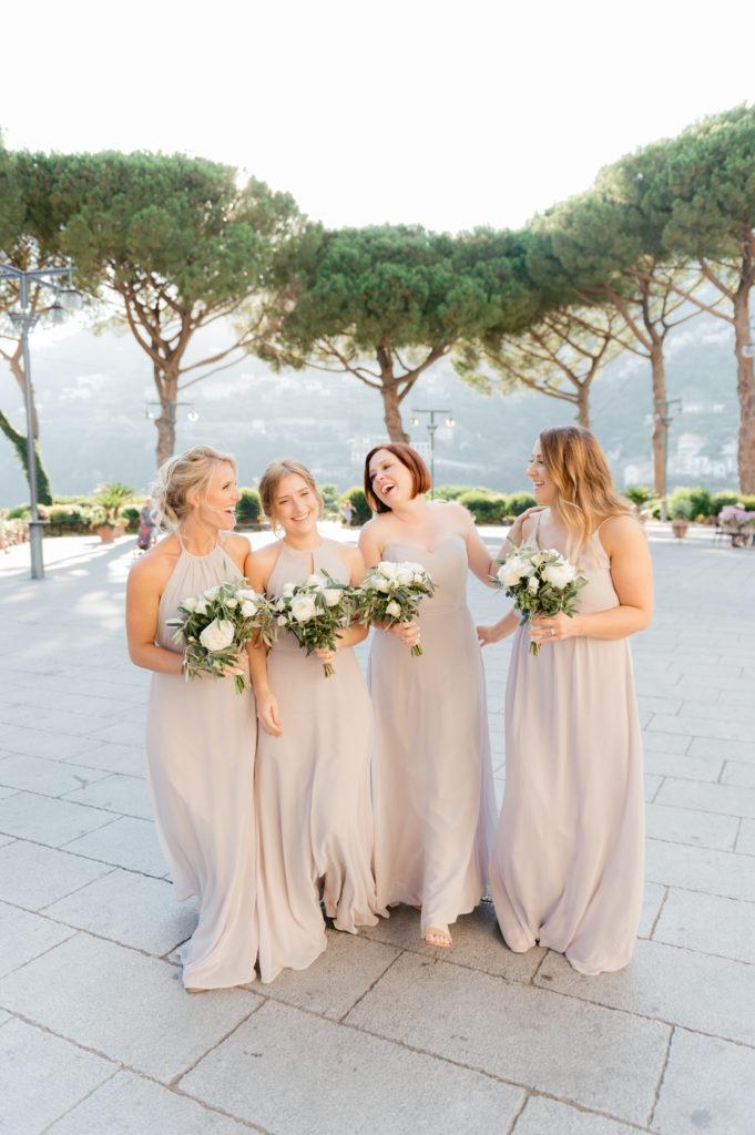 Bridesmaids going at Villa Eva - Destination Wedding in Ravello - Italian Wedding Designer