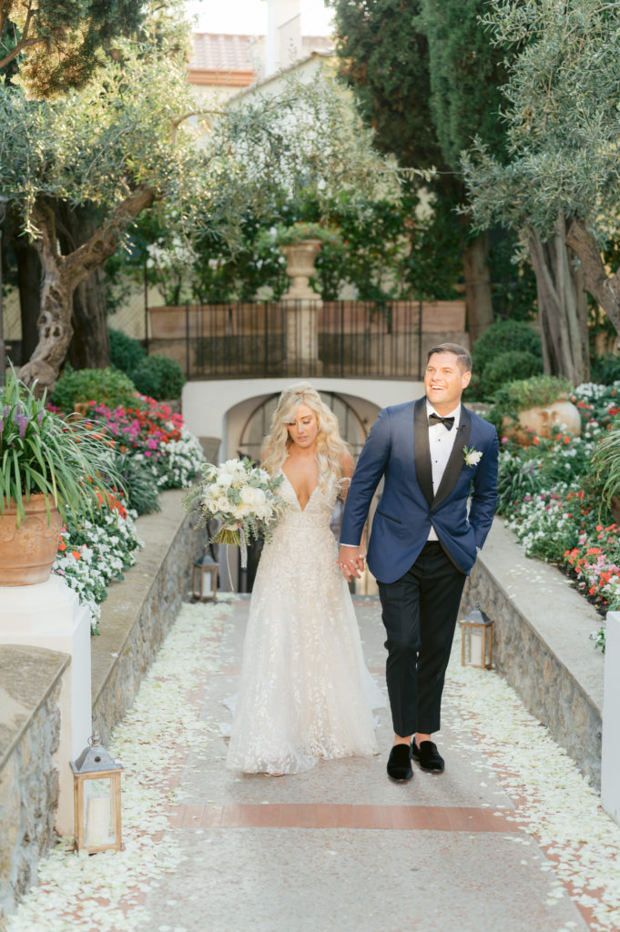 Bride and Groom arriving at Villa Eva - Destination Wedding in Ravello - Italian Wedding Designer