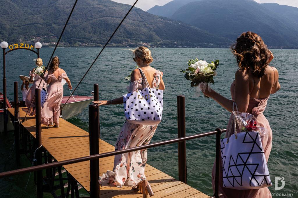 Bridesmaids going on the boat - Wedding at Villa Balbianello - Italian Wedding Designer