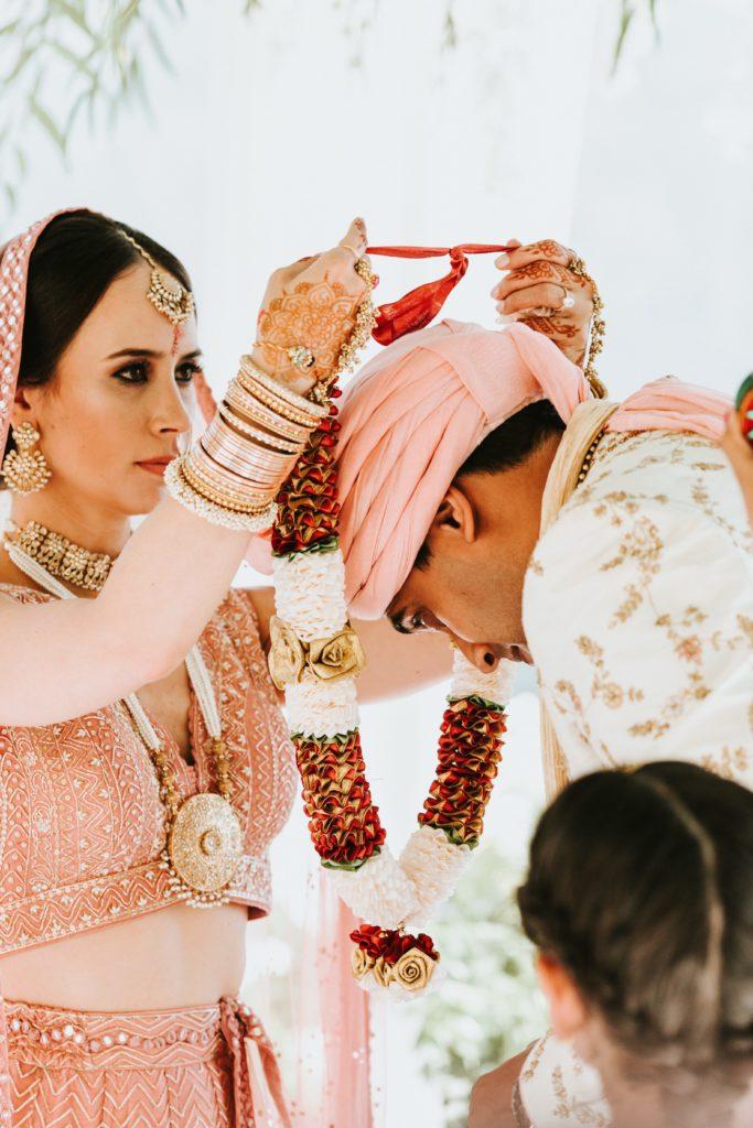 Garland Hindu ceremony - Hindu wedding at Hotel Caruso in Ravello - Italian Wedding Designer